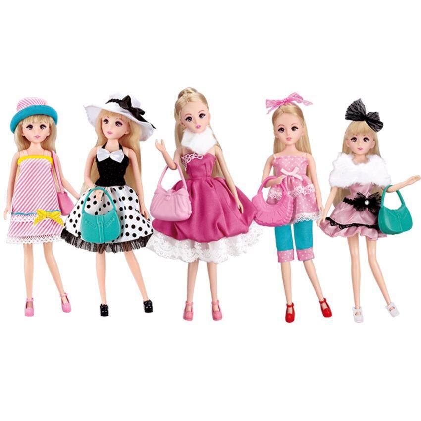 Lelia ตุ๊กตาหน้าแบ๋วพร้อมชุด 5 ชุด และอุปกรณ์มากมาย ...