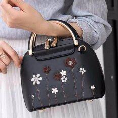 AXIXI กระเป๋าแฟชั่นผู้หญิง รุ่น Floral Golden Curve Black