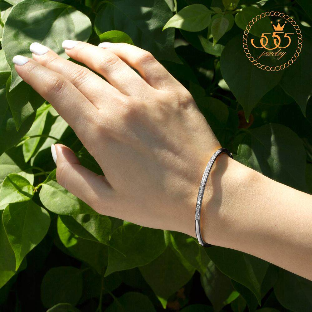 ซื้อ 555Jewelry กำไลข้อมือวงรีแบบเปิดปิด ประดับ Cz รุ่น Mnc Bg254 A สี สตีลเงิน กำไลข้อมือ กำไลข้อมือหญิง กำไลข้อมือคู่ กำไลข้อมือทอง 555Jewelry ถูก