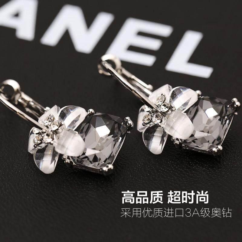 High Grade Sense Earrings 2019 New Style Tide Crystal Inn Ear Ring Circle  Pendant South Korea c3ae4520a5cd