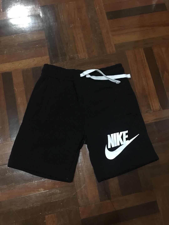 กางเกงขาสั้นผ้าฝ้าย NIKE หลวมและสะดวกสบาย