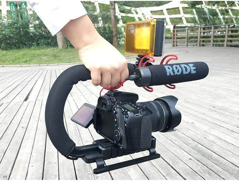 Ulanzi  กันสั่นกล้อง อุปกรณ์ช่วยยึดจับตัวกล้อง กริปกล้อง สำหรับกล้อง Dslr และกล้องวิดิโอ Camera Stabilizer C สามารถใช้กับ Smart Phone ได้.