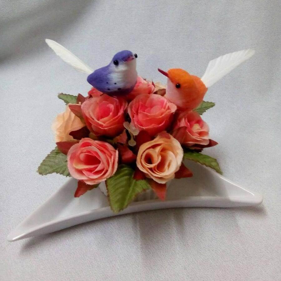 ขาย แจกันดอกไม้ประดิษฐ์ ดอกกุหลาบโทนสีส้ม พร้อมจานรอง No 2