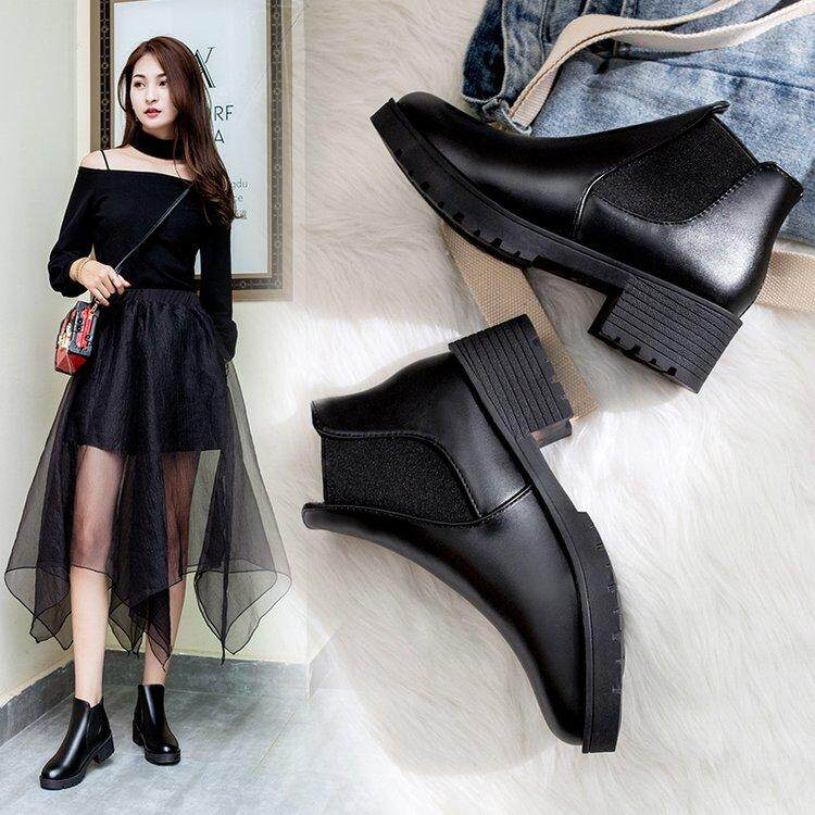 12f8ef63a6d6 Autumn   Winter women Shoes Chunky Heel Martin Boots Schoolgirl Anti-slip  Semi-high