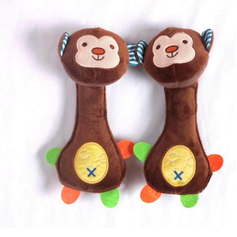 ตุ๊กตาจับเขย่าแล้วจะมีเสียงกรุ๊งกริ๊ง บีบมีเสียงช่วยเสริมสร้าง และกระตุ้นพัฒนาการ ( skip hop safari squeeze me rattle toy ).