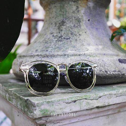 2017 Baru Wajah Bulat Kacamata Hitam Kepribadian Besar Bingkai Kacamata Hitam Kacamata Hitam Bintang Wanita KW Logam Berongga Arrow-Internasional