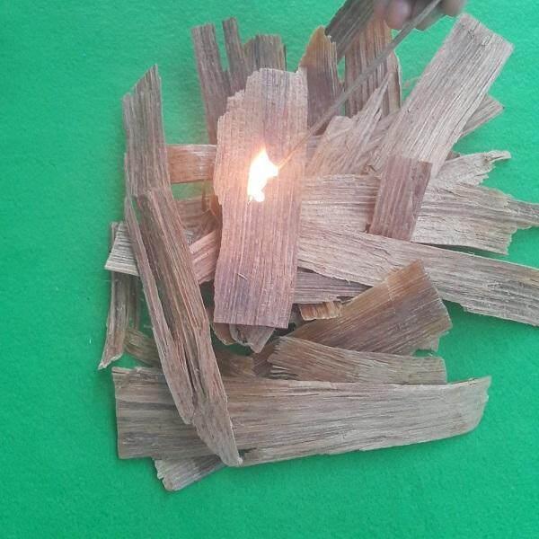 Fire Starter ไม้เกี๊ยะ ไม้น้ำมัน ไม้ก่อไฟ บรรจุ 2 ลิตรสำหรับการก่อเชื้อเพลิง เอาไว้จุดไฟ ก่อไฟ แคมป์ปิ้ง ไม้ดังไฟ เชื้อเพลิงเพื่อการก่อไฟสำหรับกิจกรรม Bbq ผลิตและจัดส่งในประเทศไทยเพื่อการจัดส่งที่รวดเร็ว.