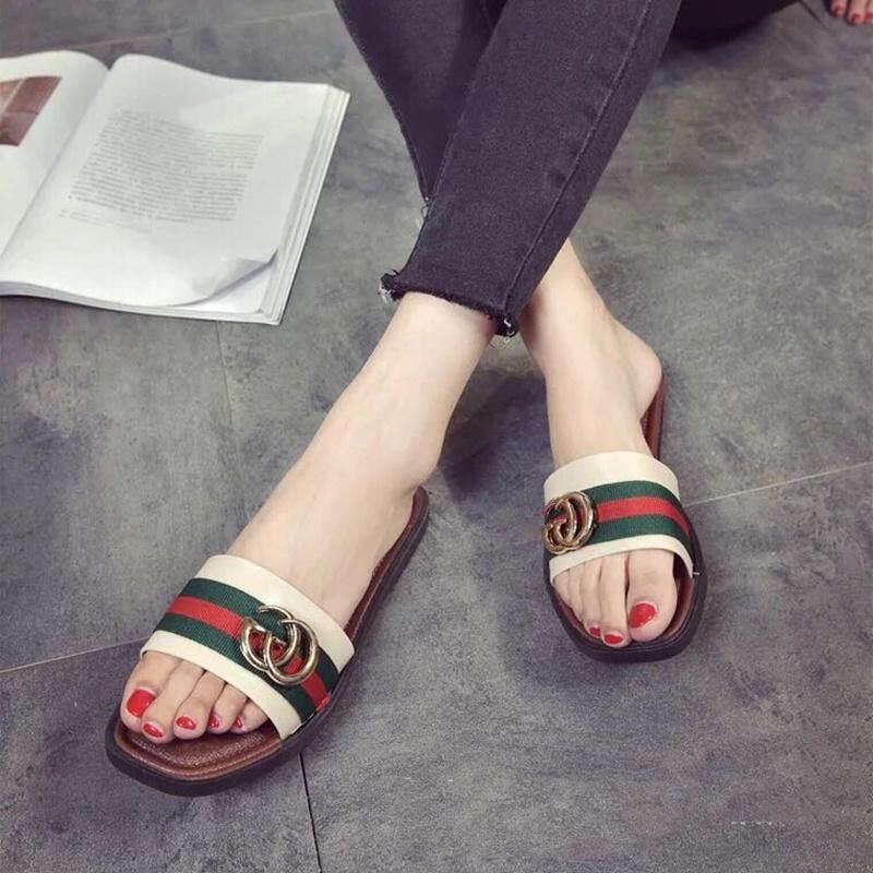 รองเท้าแตะแฟชั่นลายชาแนลและรองเท้าแตะสวมใส่สบายๆ แบบแบนรองเท้าสตรี 1825.