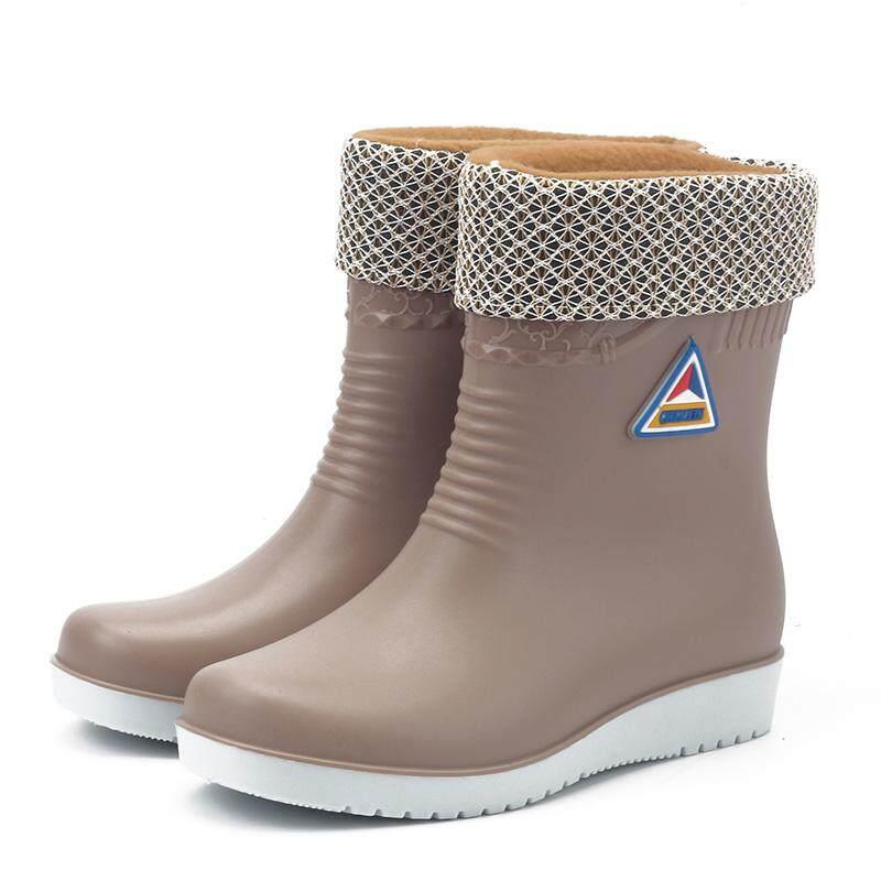 b9360371bea78 South Korea Winter Warm Tube Anti-slip Rain Shoes And Lint women Waterproof Rain  Boots
