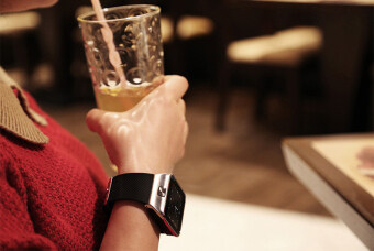 Dream นาฬิกาโทรศัพท์ Smart Watch รุ่น A9 Phone Watch (สีเงิน) ฟรีสาย USB (image 3)