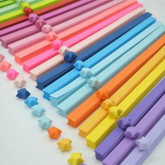 เรนโบว์สีทึบสีลูกอมสีที่ทำด้วยมือกระดาษพับดาวกระดาษ