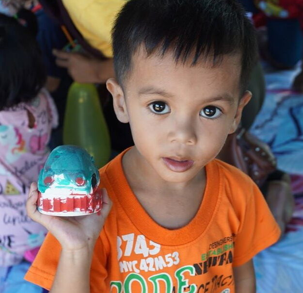 ตุ๊กตาระบายสี ของเล่นเสริมจินตนาการ คละลาย ชุด 1ตัว พร้อมสี+พู่กัน สีปลอดสาร Non Toxic