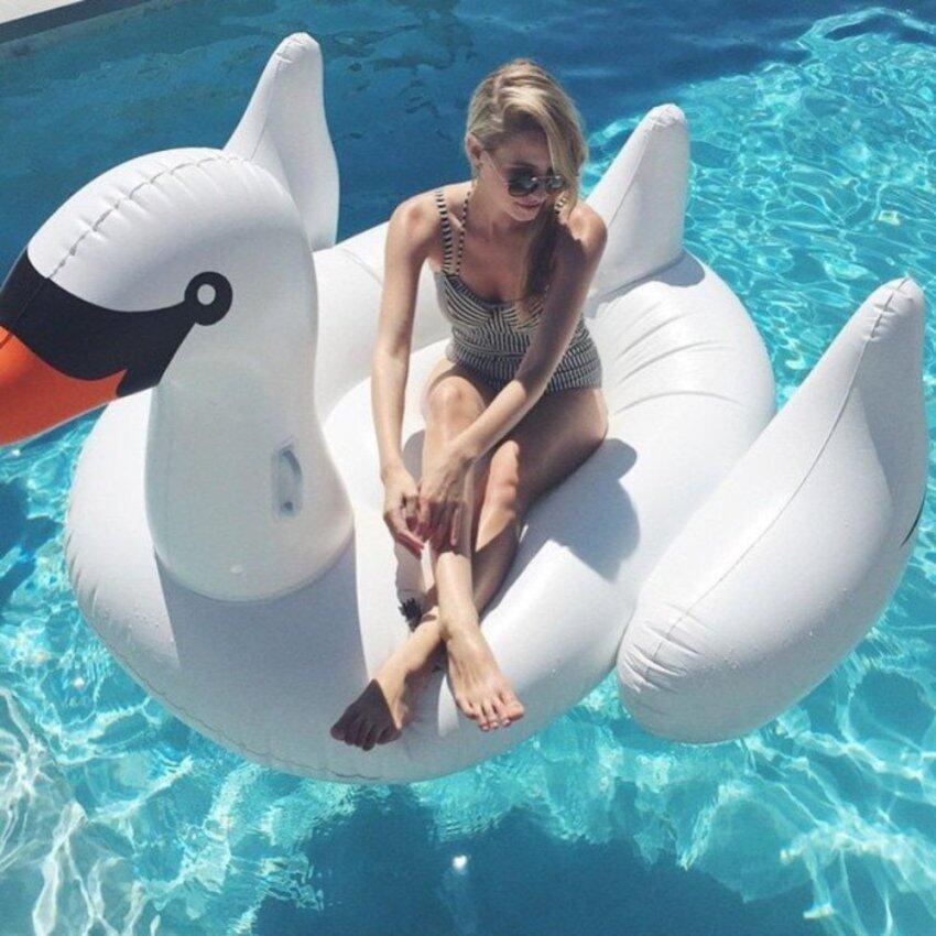 ห่วงยาง Big Size ห่วงยางแฟนซี เรือเป่าลม แพยางเป่าลม ที่นอนเป่าลม รูปนกฟลามิงโก Flamingo ลอยน้ำได้ สีขาว