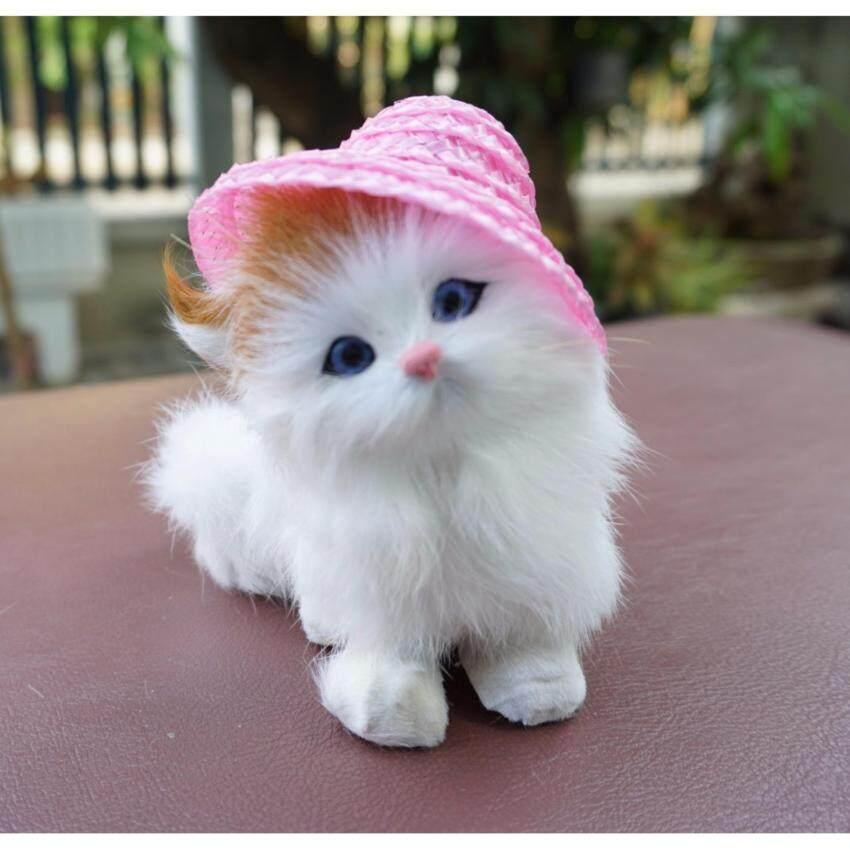 ตุ๊กตารูปแมว สวมหมวก ขนอ่อนนุ่ม สี ขาว - ดำ ด้านใต้มีปุ่มกด จะมีเสียงลูกแมวร้อง