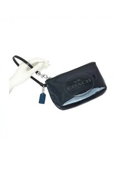 ขอเสนอ Coach Horse and Carriage Patent Leather Medium Wristlet รุ่น 52145- Black