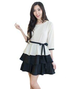 Fashion on art เดรสผ้า cotton แขนสามส่วน กระโปรงระบายเป็นชั้น - สีขาว