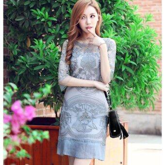 Harga Lace sleeve dress clothes look elegant.