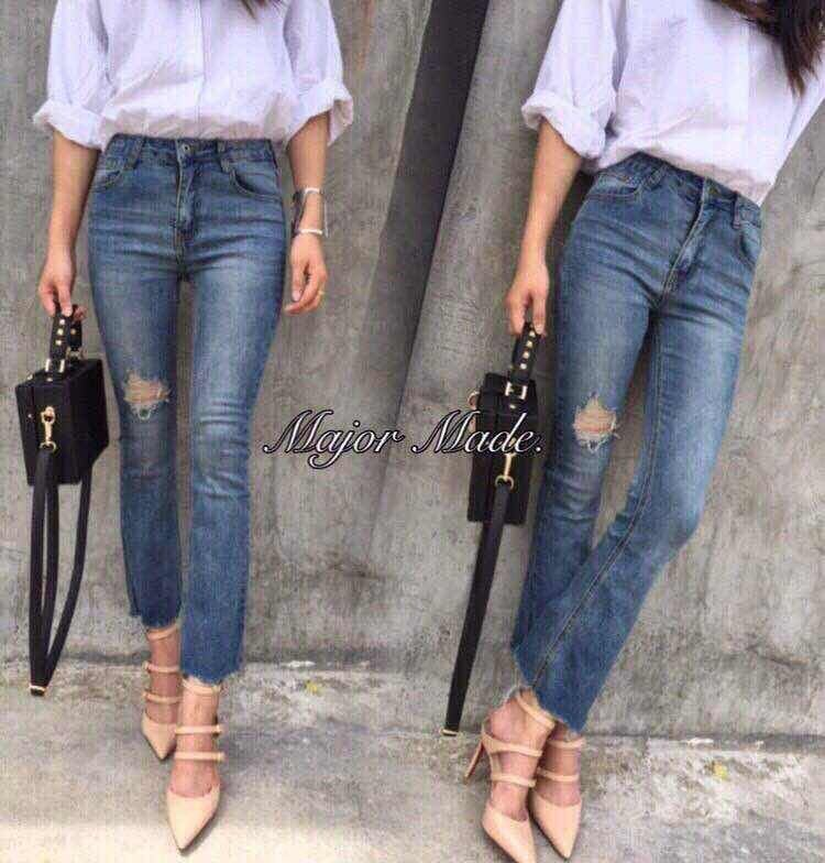 jeans-fashion-chic-style-blue -1480477163-85574201-9a00f1d7f26d16c69e59aab805a0f7a3-zoom.jpg