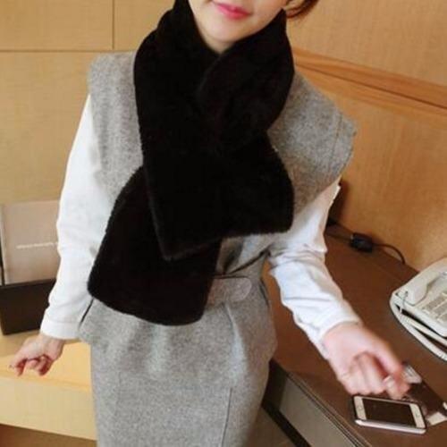 Nara ผ้าพันคอขนสัตว์ ผ้าพันคอ ผ้าคลุมไหล่ แฟชั่นหน้าหนาว เสื้อโค้ท เสื้อกันหนาว สีดำ