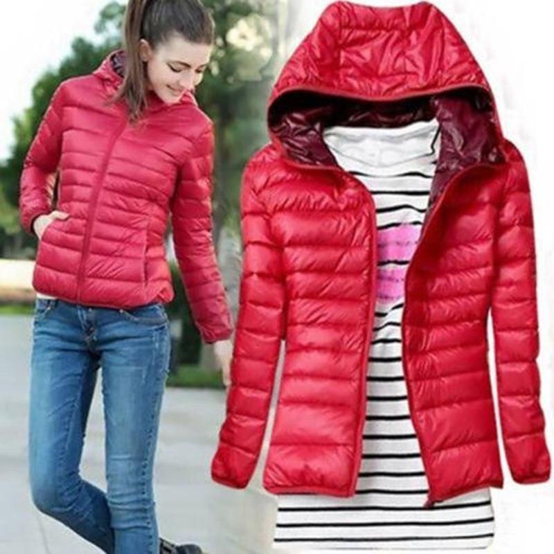 แขนเสื้อยาวสาวฤดูร้อนหญ้าคาแจ็กเก็ตมีฮู้ดเสื้อพาร์กาคลุมสีแดง