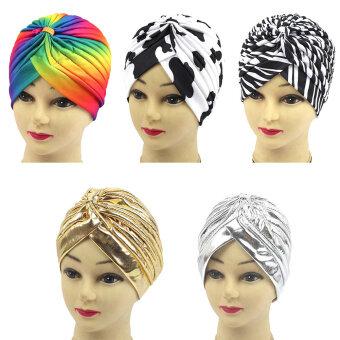ผู้หญิงห่มผ้าคลุมไหล่สวมหมวกมุสลิมคาดผมผ้าพันคอฮิญาบเสื้อยืดหมวกคลุมผมขาวม้าลาย