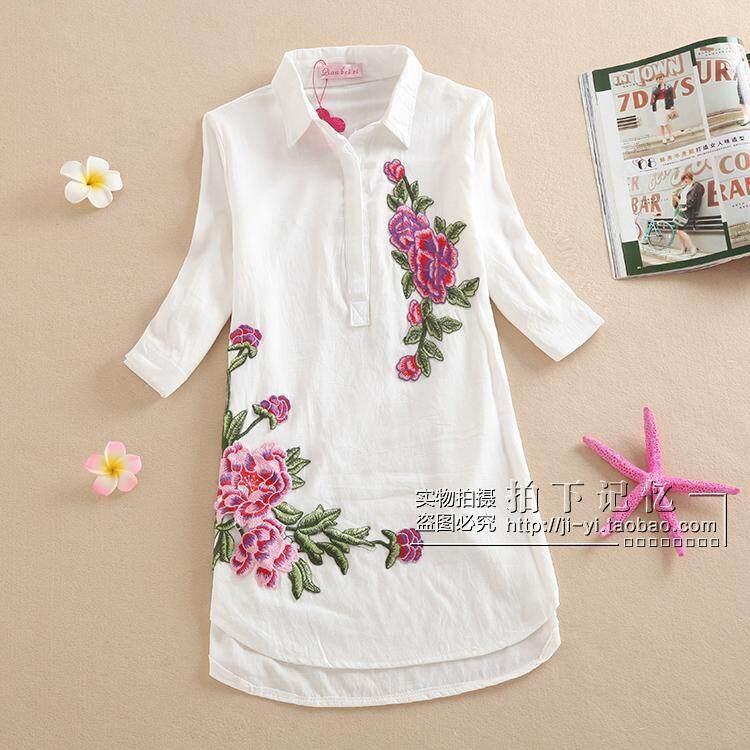 เสื้อเชิ้ตสตรีสไตล์เกาหลีลายดอกไม้ปักคอปกผ้าฝ้ายและผ้าลินินผสม (ชิ้นส่วนของผงดอกไม้สีขาว)