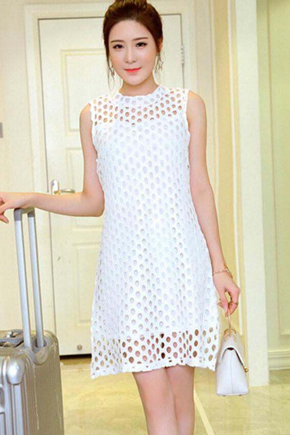 Zocial Netwear  ชุดเดรสผ้าลายฉลุ วงกลม ซีทรูช่วงบน (สีขาว)