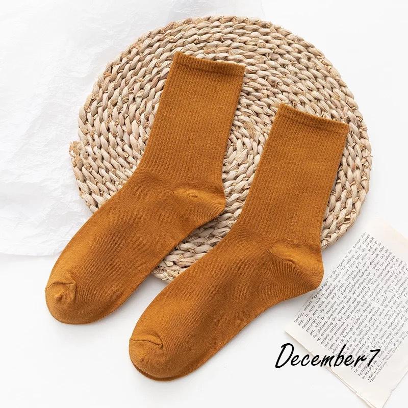 ถุงเท้ายาว ถุงเท้าครึ่งแข้ง ถุงเท้าสีพื้น แฟชั่น หนานุ่ม ใส่สบาย ถุงเท้ากันหนาว ถุงน่อง ถุงเท้าแฟชั่น