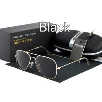 ผู้ชายสวมแว่นกันแดดนักบินสีดำ Polaroidเลนส์ไทเทเนียมแว่นตากันแดดยี่ห้อรถออกแบบกรอบกล่องเดิมÓculos คน