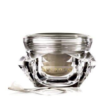 aviance ครีมเพชรสำหรับรอบดวงตา Ultimate Youth Diamond Cream Total Replenishing for Eyes 20 g