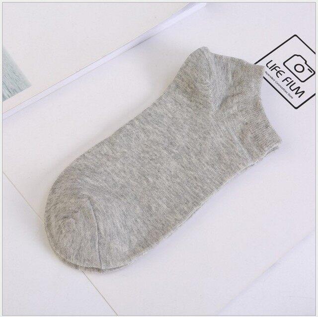 ถุงเท้าข้อกลาง มี 3 สีให้เลือก